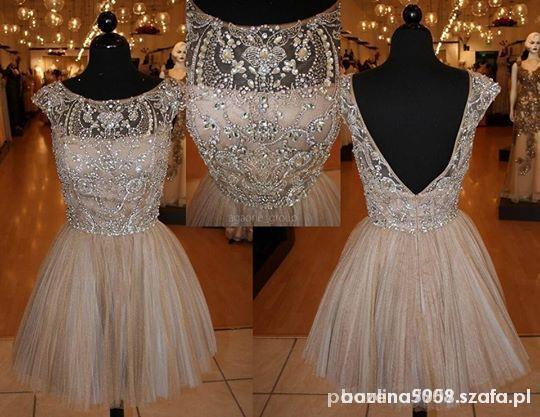sukienka zdobiona kryształkami