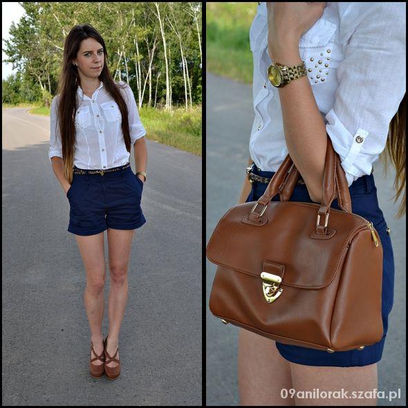 Blogerek Shorts & brown shoes