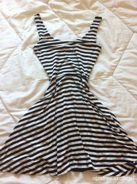 Sukienka w asymetryczne pasy marine marynarska