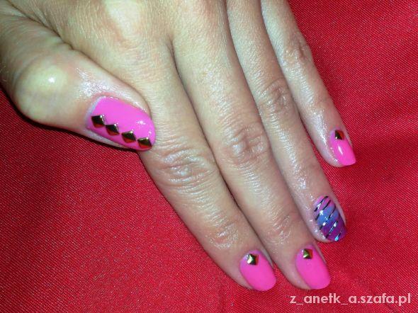 Fryzury Cukierkowe różowe pazurki
