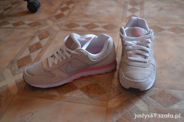 Nike MD Runner...