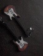 kolczyki gitary metal rock