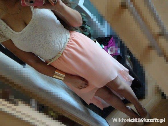 Poszukuję spódnica asymetryczna brzoskwiniowa...