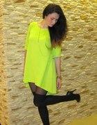 limonkowa neonowa sukienka trapezowa