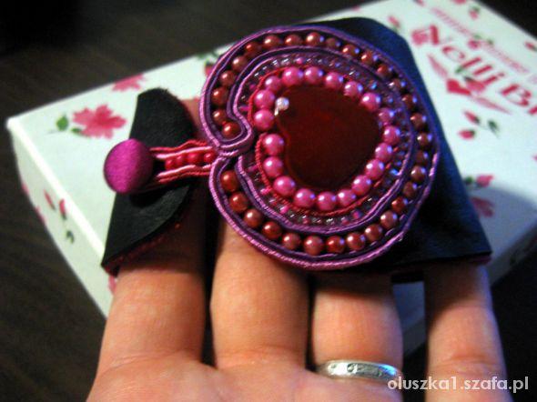 Skórzana bransoleta z sercem soutache