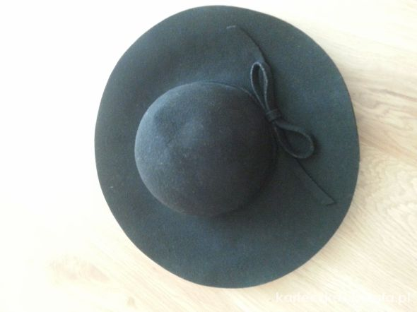 kapelusz z rondem Reserved