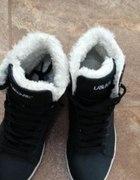 Buty sportowe na zime