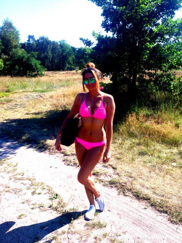 Na specjalne okazje Bikini neon