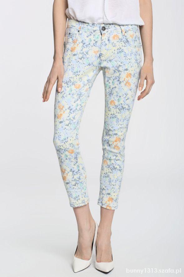 Spodnie floral...