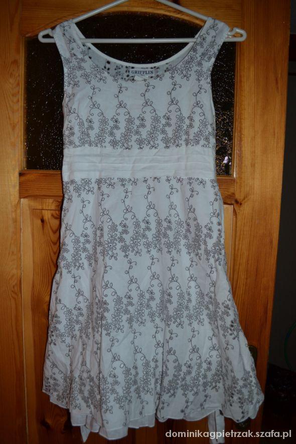 Sukienka biała ręcznie robiona L tłoczone kwiaty w Suknie i