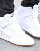 Nike Dunk Sky High...