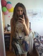 Sukienka z tygrysem