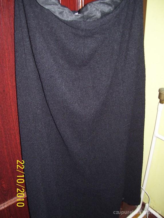 Spódnice czarna grubsza spódnica z klinów