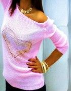 Śliczny rózowy sweterek...