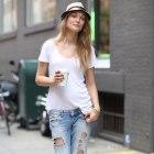 Podarte jeansy
