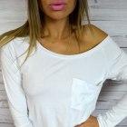 bluzka opadajaca na ramie