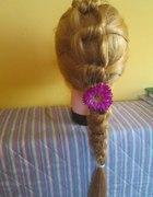 supełki na włosach
