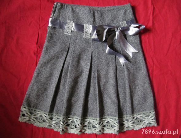 Spódnice Szara spódnica z kokardą