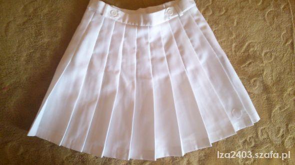 białasportowa spódnica plisowana