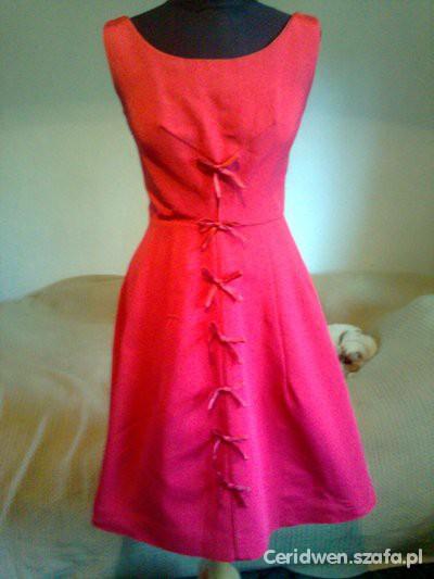 Poziomkowa sukienka retro