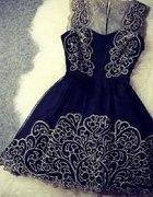 Bardzo elegancka suknia