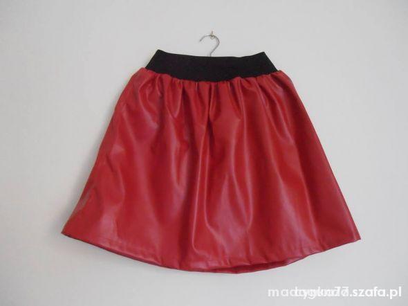 Spódnice czerwona eko skóra