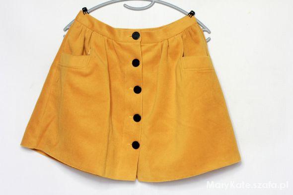 Spódnice musztardowa ciepła spódnica na guziki z kieszenie