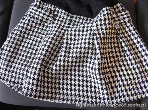 Spódnice rozkloszowana mini w pepitkę