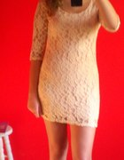 Romantyczna Koronkowa sukienka reserved 36
