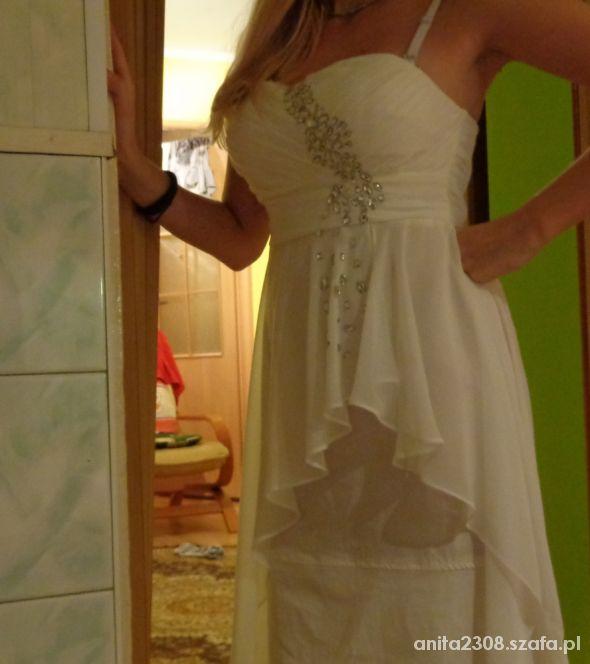 biala sukienka