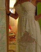 biala sukienka...