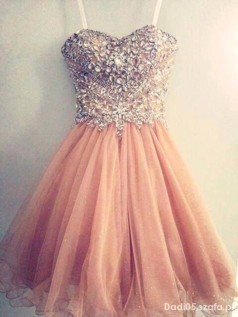 Poszukiwana sukienka