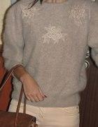 ciepły puchaty sweterek...