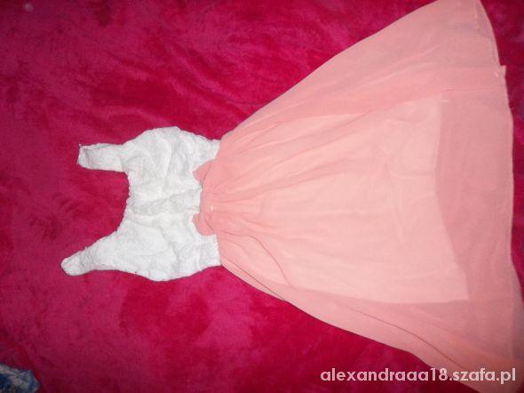 zwiewna sukienka z kokardką