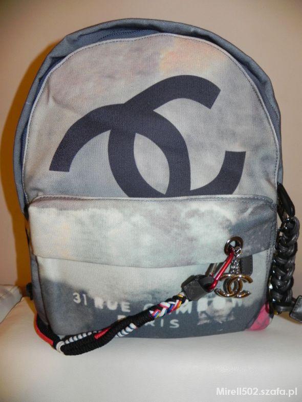 3708f21a33f65 Plecak Chanel Graffiti nowy od ręki duża wersja w Plecaki - Szafa.pl