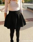 rozkloszowana pikowana spódnica spódniczka