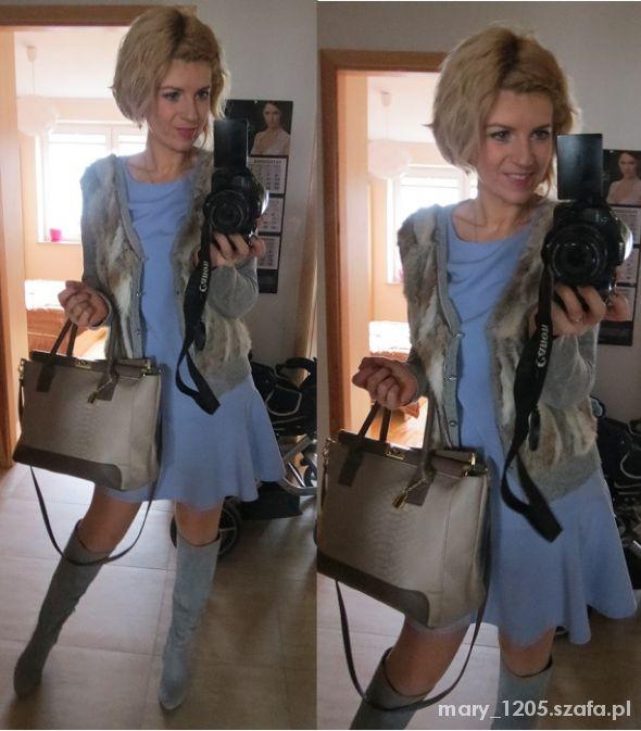 Eleganckie chabrowa sukienka i szary swetetek