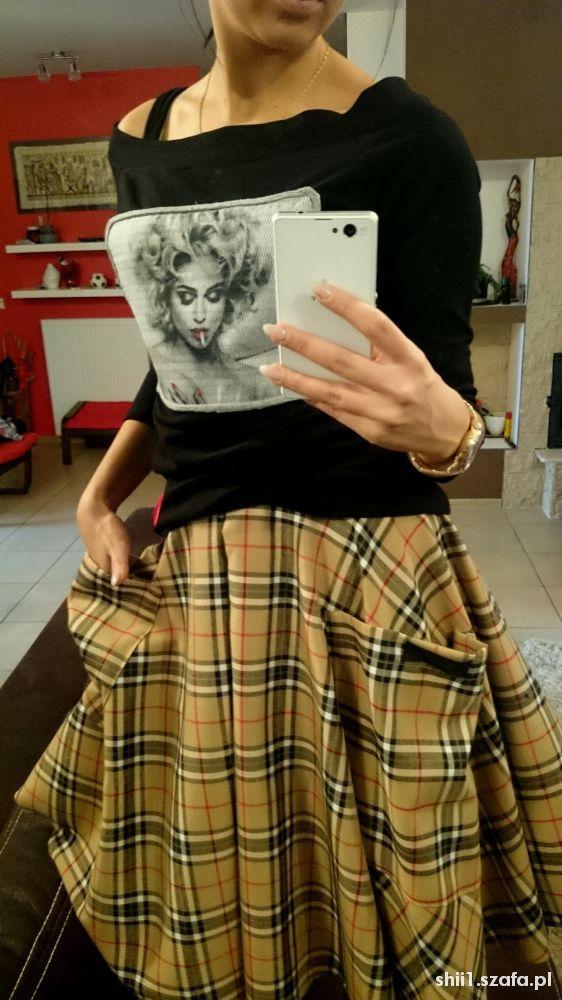 Włoska spódnica plus bluzeczka vinted...