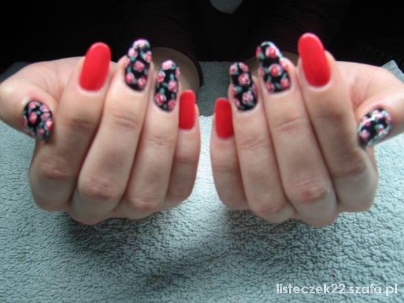 Fryzury paznokcie floral