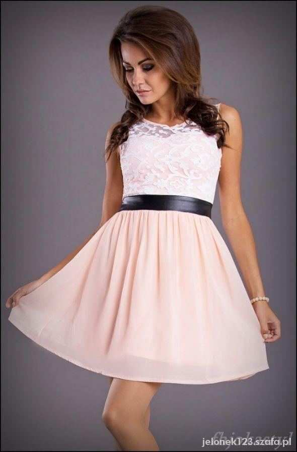 Śliczna rozkloszowana różowa sukienka S 36
