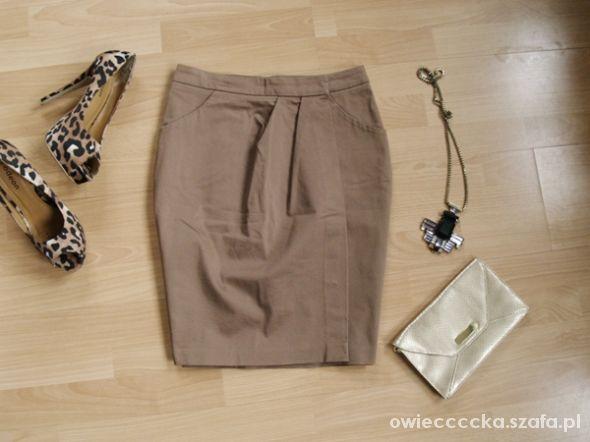 Spódnice zakładki beż tulipna M 38 spódnica