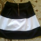 Spódnica rozkloszowana czarno biała M