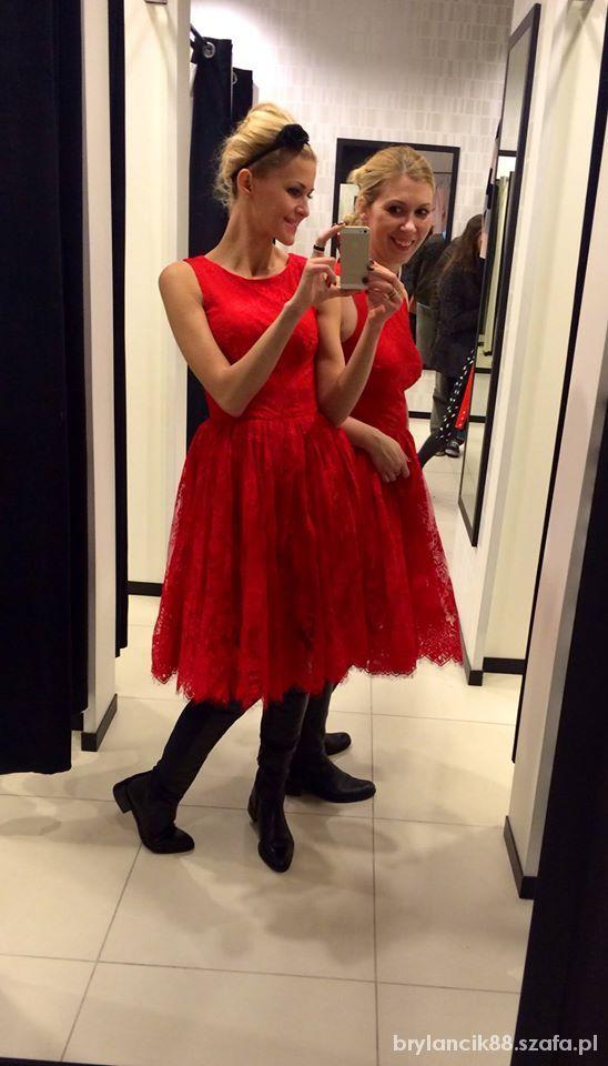 Poszukiwana koronkowa czerwona sukienka Mohito Vinted