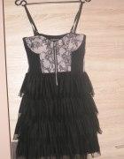 czarna sukienka z gorsetem New Yorker...