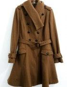 rozkloszowany płaszcz...
