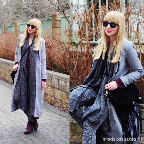 Blogerek Grey & Burgundy