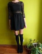 Sukienka koronka rozkloszowana M