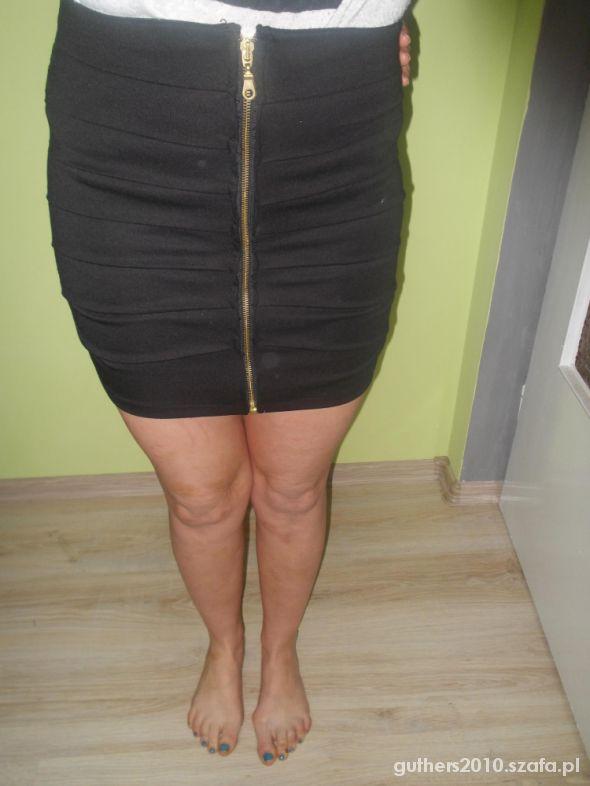 Spódnice czarna s tuba