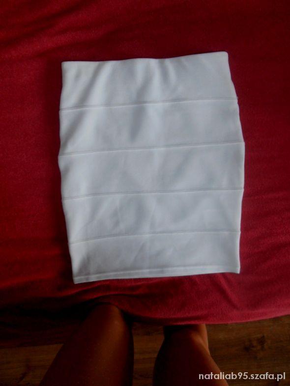 Spódnice biała elastyczna