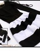 Rozkloszowana biało czarne pasy rozmiar uni